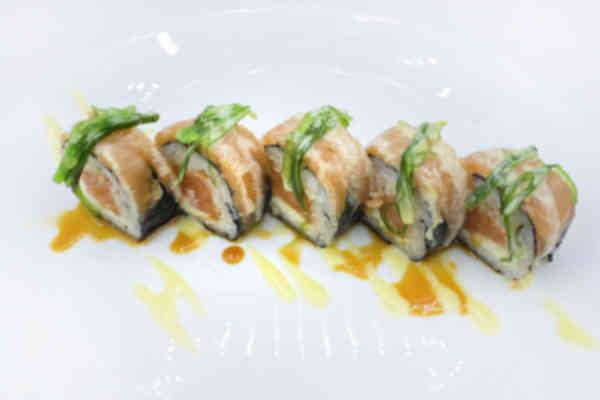 Futomaki Salmon roll