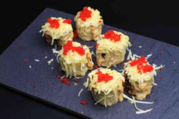 Maki cheese flambé